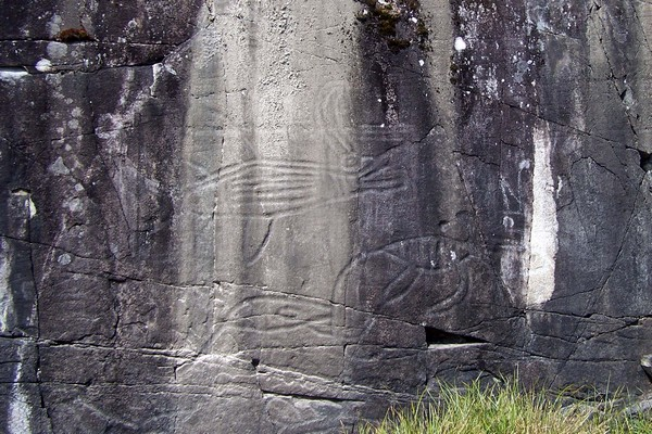 160-sproat-lake-petroglyphs.jpg