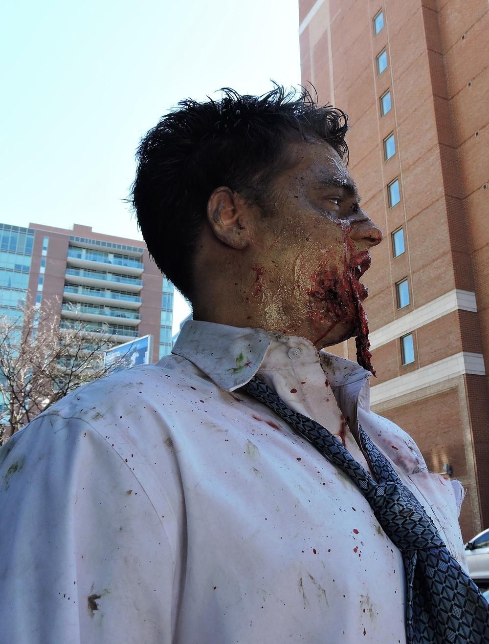 zombie sees food.JPG