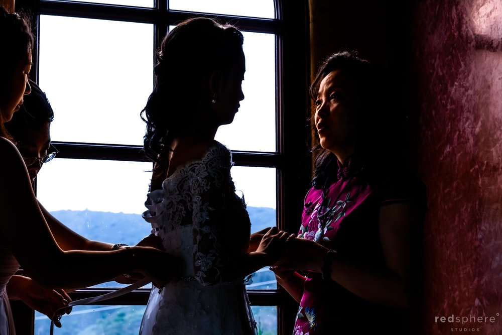 Regale Winery and Vineyards Wedding - Getting ready
