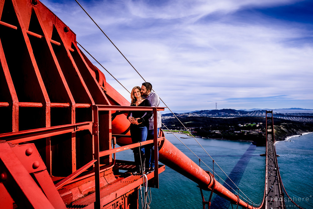 Couple Get Engaged on top of Golden Gate Bridge, San Francisco