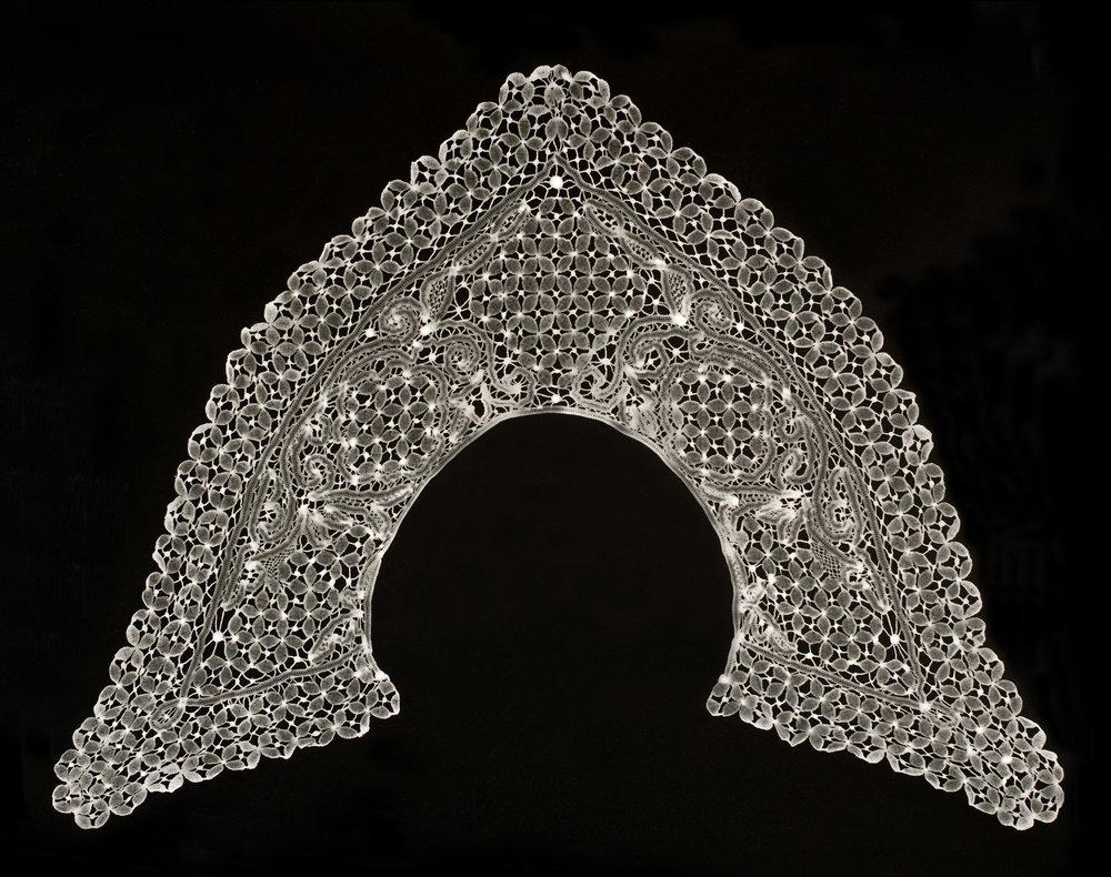 Andrea Higgins Collar 2013 b-w fibre paper 50.8 x 61cm_05.jpg