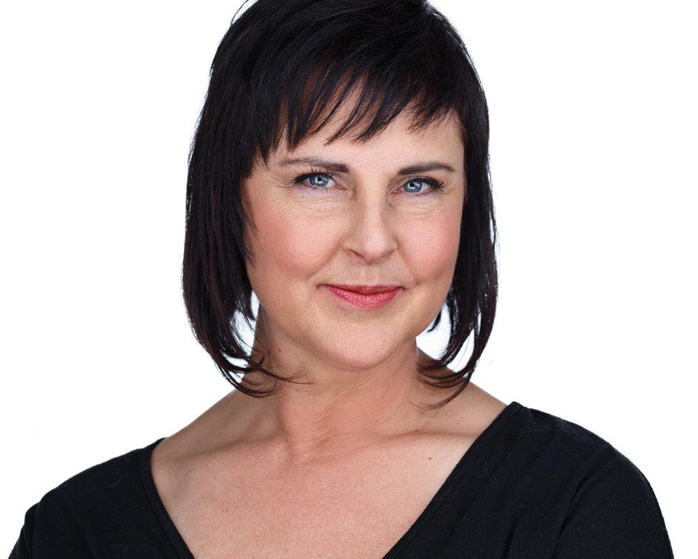 Karen DeAnda - Trios Aveda - Premier Milwaukee Headshots