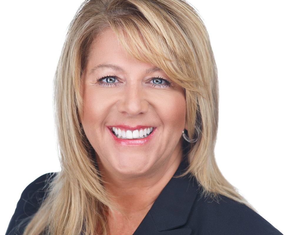 Kim Dove - Shorewest Realtors - Premier Milwaukee Headshots