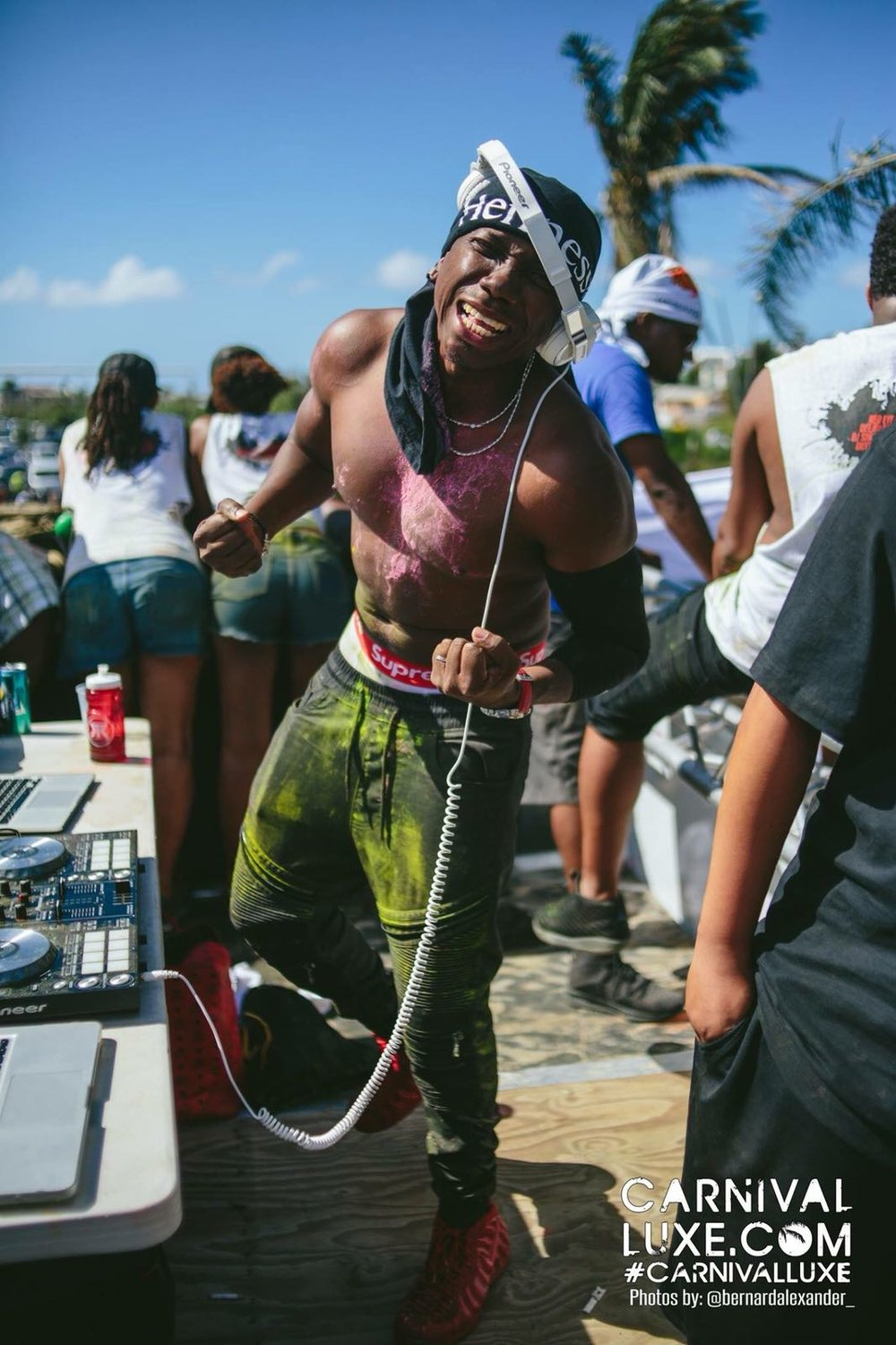 BY: Mobbin' With Mo G Travel/Lifestyle Blog - SOCA: GET FAMILIAR & FEEL THE VIBEZ!