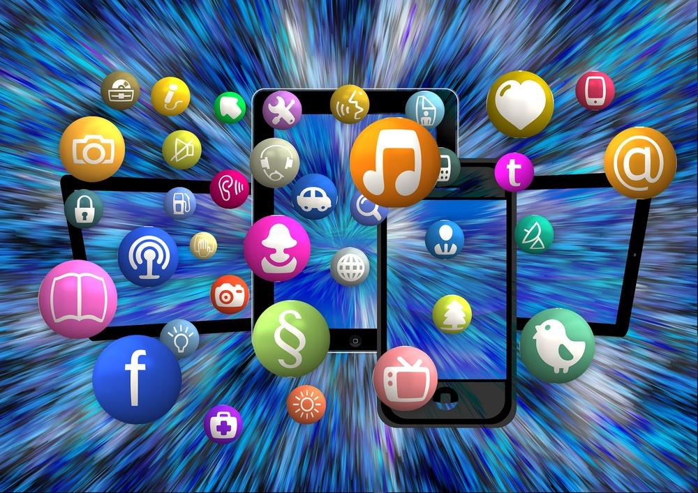 social-media-1453843_1920.jpg