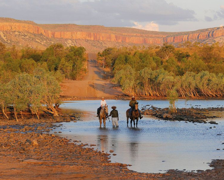 ART EXPEDITION IN AUSTRALIA'S REMOTE EAST KIMBERLEY (June 7 - 16, 2019)     Kimberley, WA, Australia   Join leading Australian contemporary landscape painter Idris Murphy on a 10 day painting adventure and wilderness experience in the remote East Kimberley.    Read More