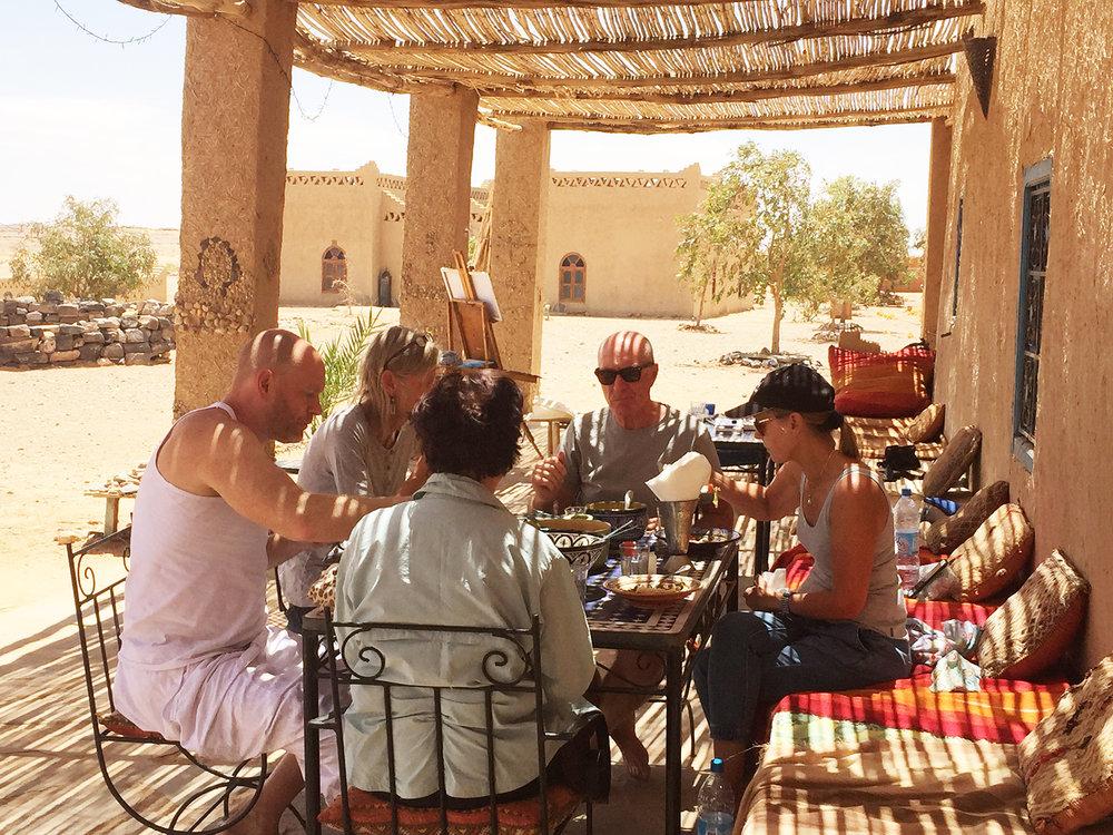 Lunch Cafe Tissardmine Sahara.jpg