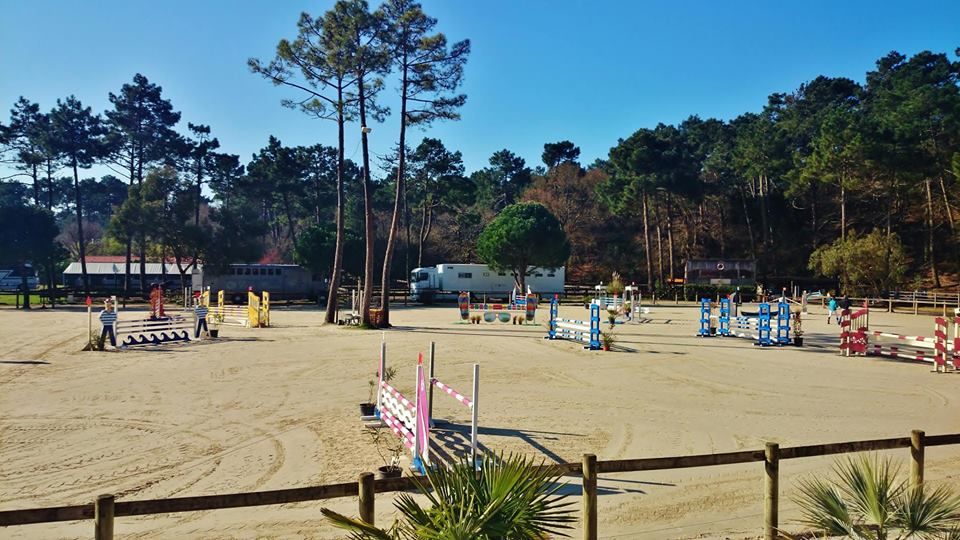 CAP-FERRET RIDING CLUB -