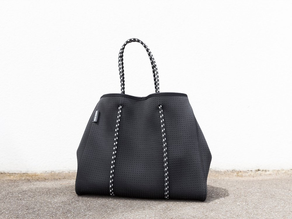 #8 - A BIG (LIGHTWeIGHT) BAG -