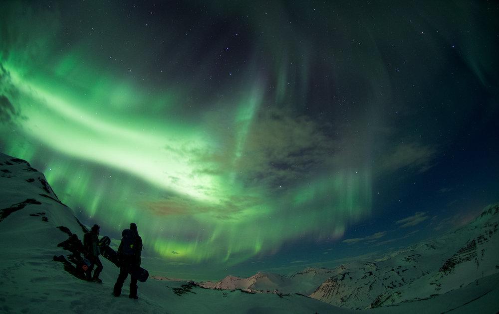 ALandShapedByWomen_Iceland_2018_Anne-Flore_Marxer_Aline_Bock_Photo_Eleonora_Raggi_R18_2057.jpg