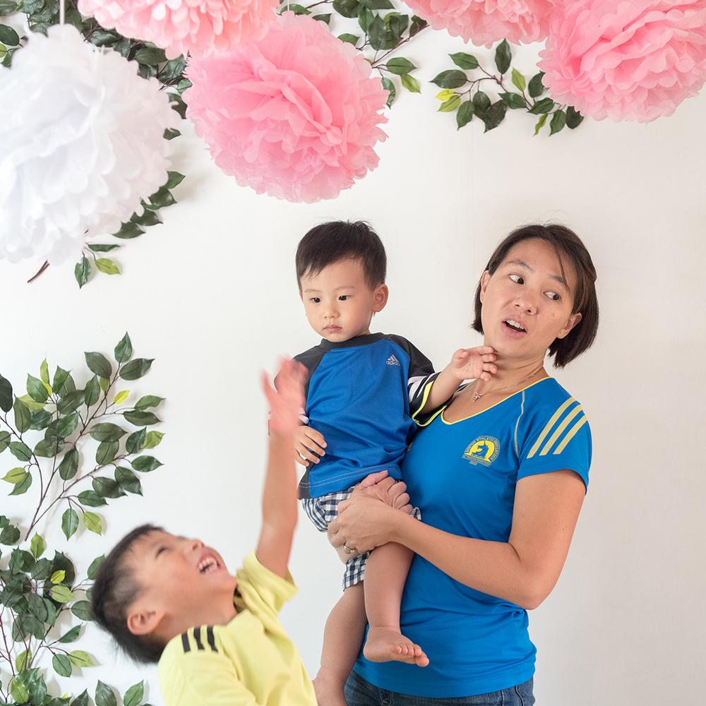 singapore-family-candid-portrait-parenting-01