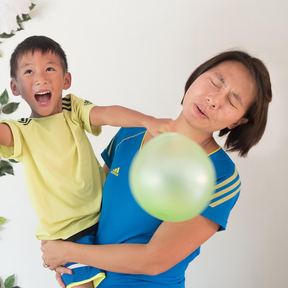 singapore-family-candid-portrait-parenting-03
