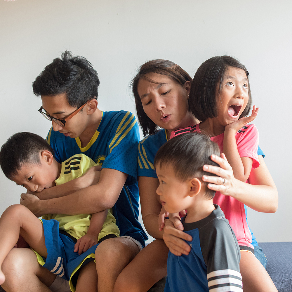singapore-family-candid-portrait-parenting-05
