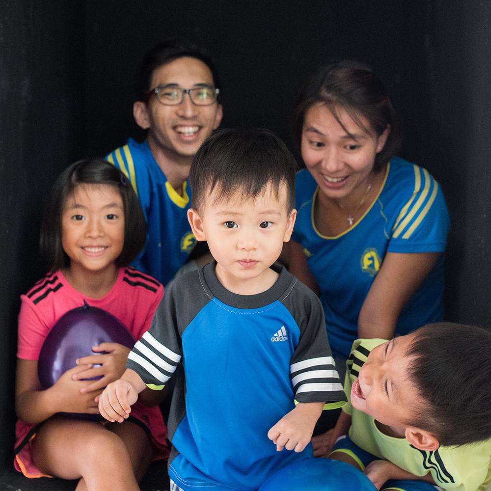 singapore-family-candid-portrait-parenting-08