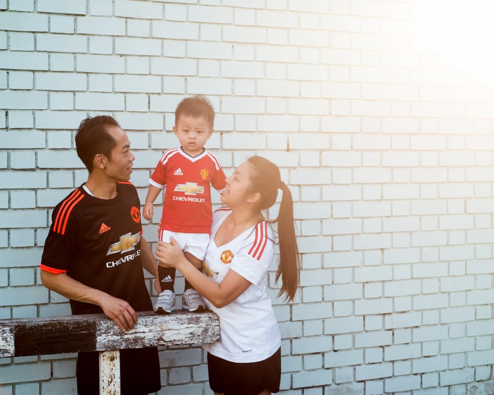 football-themed-family-shoot-03