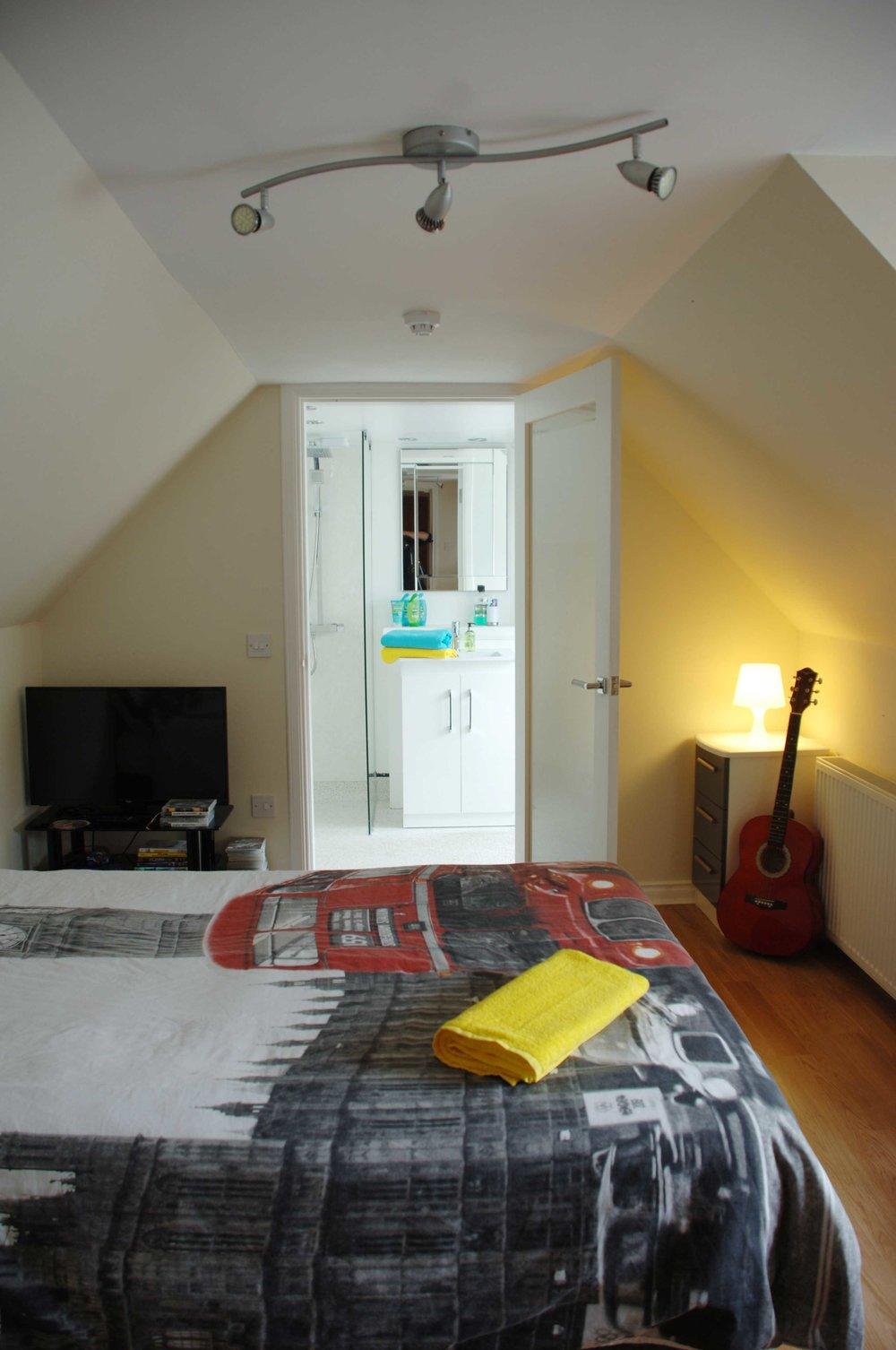 Bedroom2-en-suite-opt.jpg