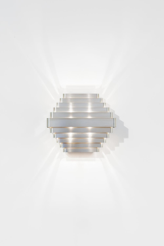 nickel- light.jpg