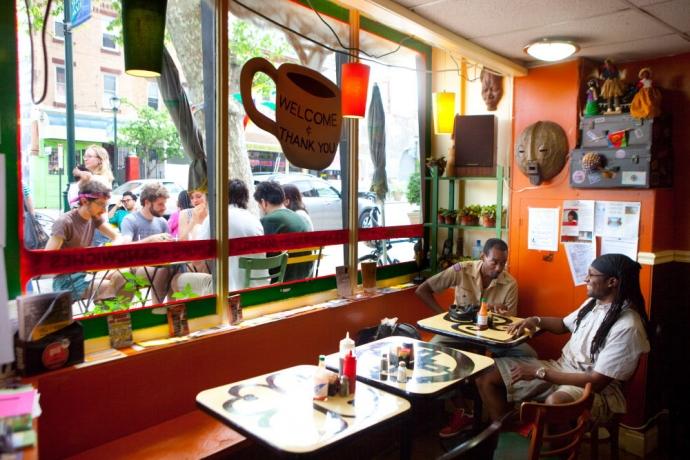 Atiya Ola's Cafe