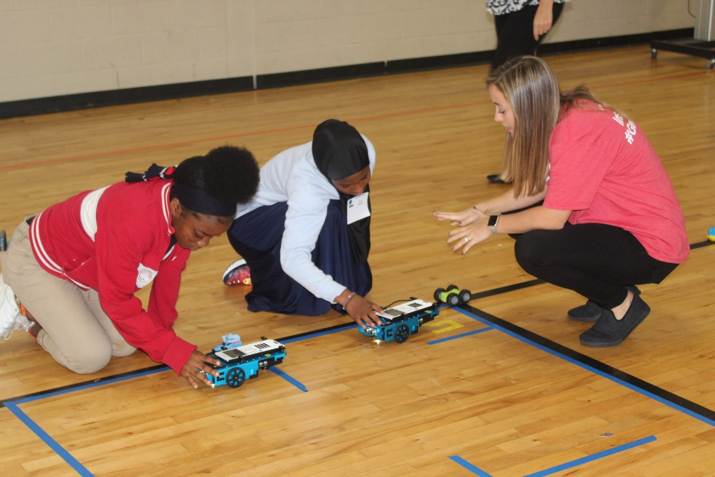 Middle School Students Practice Coding and Engineering Skills
