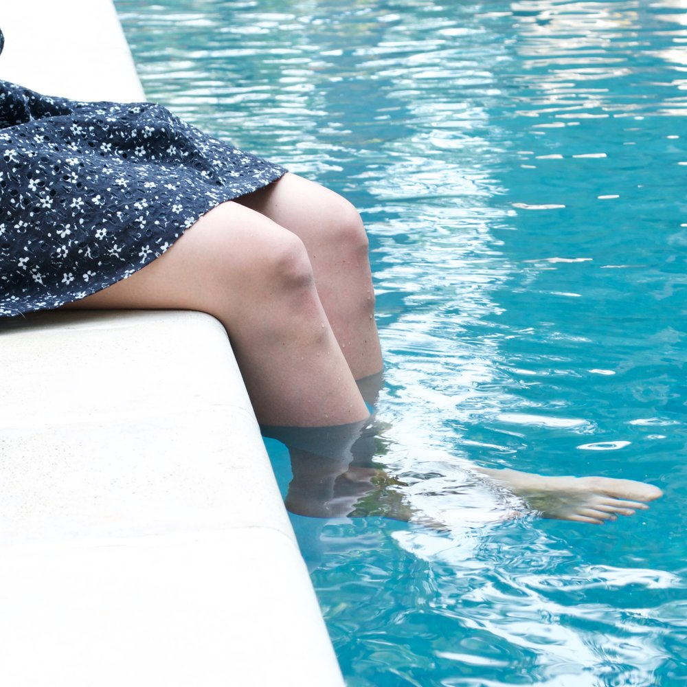 pool legs!.jpg