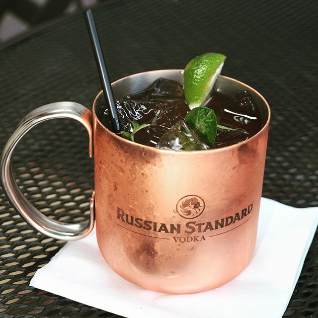 It's Happy Hour until 6pm!! #saturdayhappyhour #happyhour #moscowmule #russianstandardvodka #eatfish #saturday #fishhouseveracruz