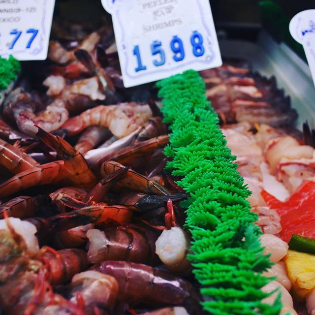 Our market is fully stocked for the holidays! What's your favorite fish to take home from our fish market? Check out our daily selection of fresh fish on our website www.fishhouseveracruz.com/fresh-fish-list #eatfish #fishmarket #seafood #sandiego #northcountysd #fishhouseveracruz