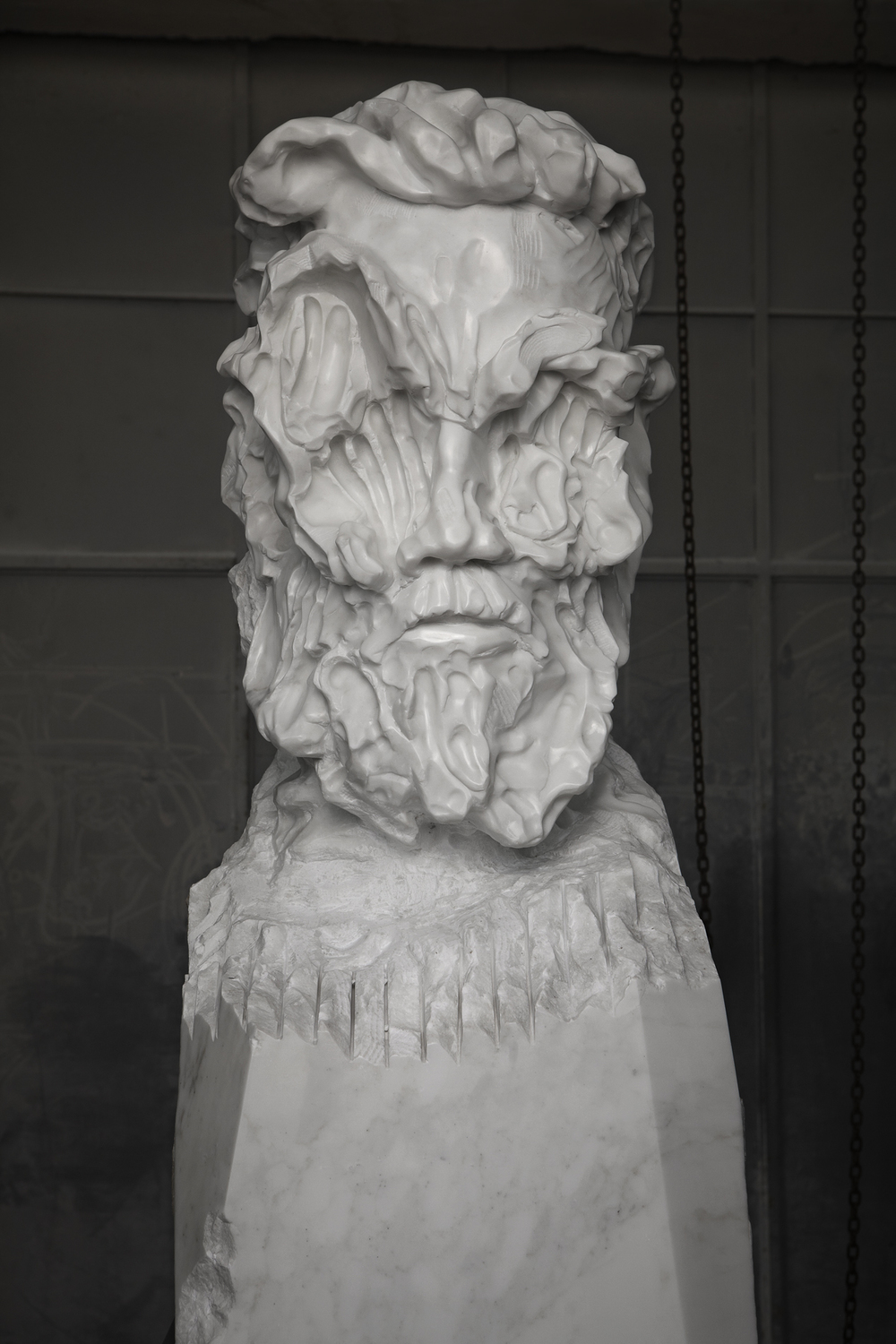 Bearded Man Statuario close up 02 closed lev.jpg