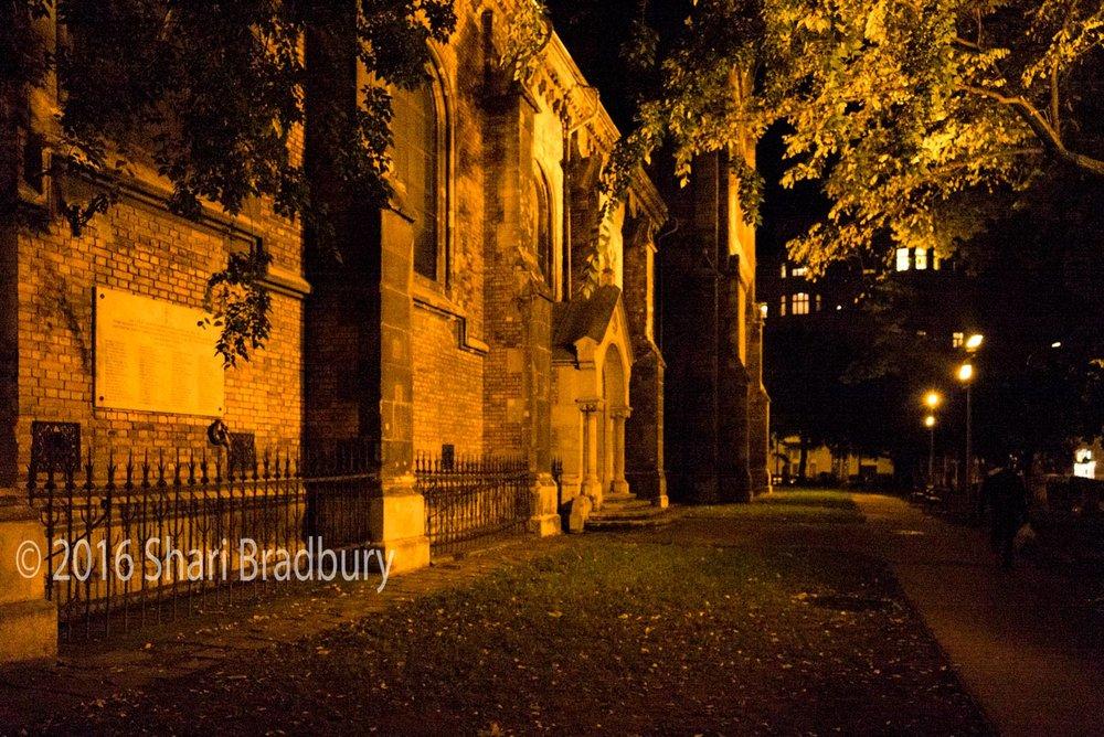 Assisi Szent Ferenc Plébánia Templom, Bakáts tér.