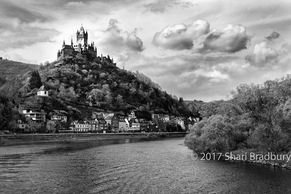 Reichsburg Castle, above the village of Cochem.