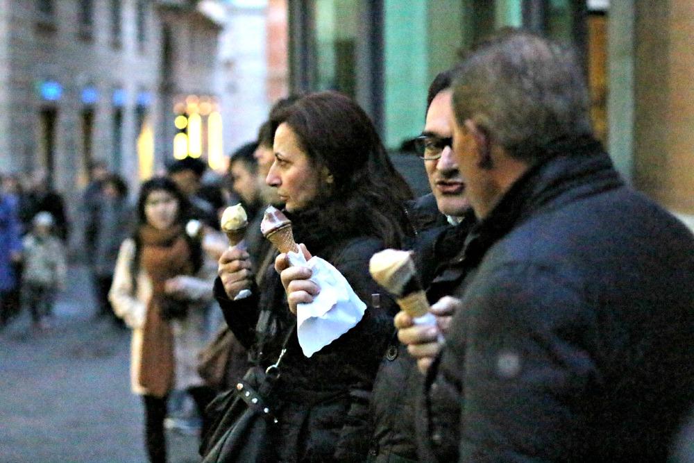 gelato eaters