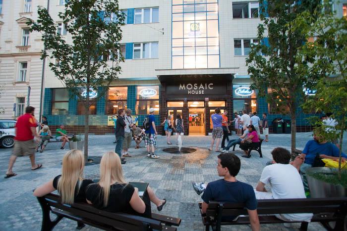 Prague hostel, Mosaic House
