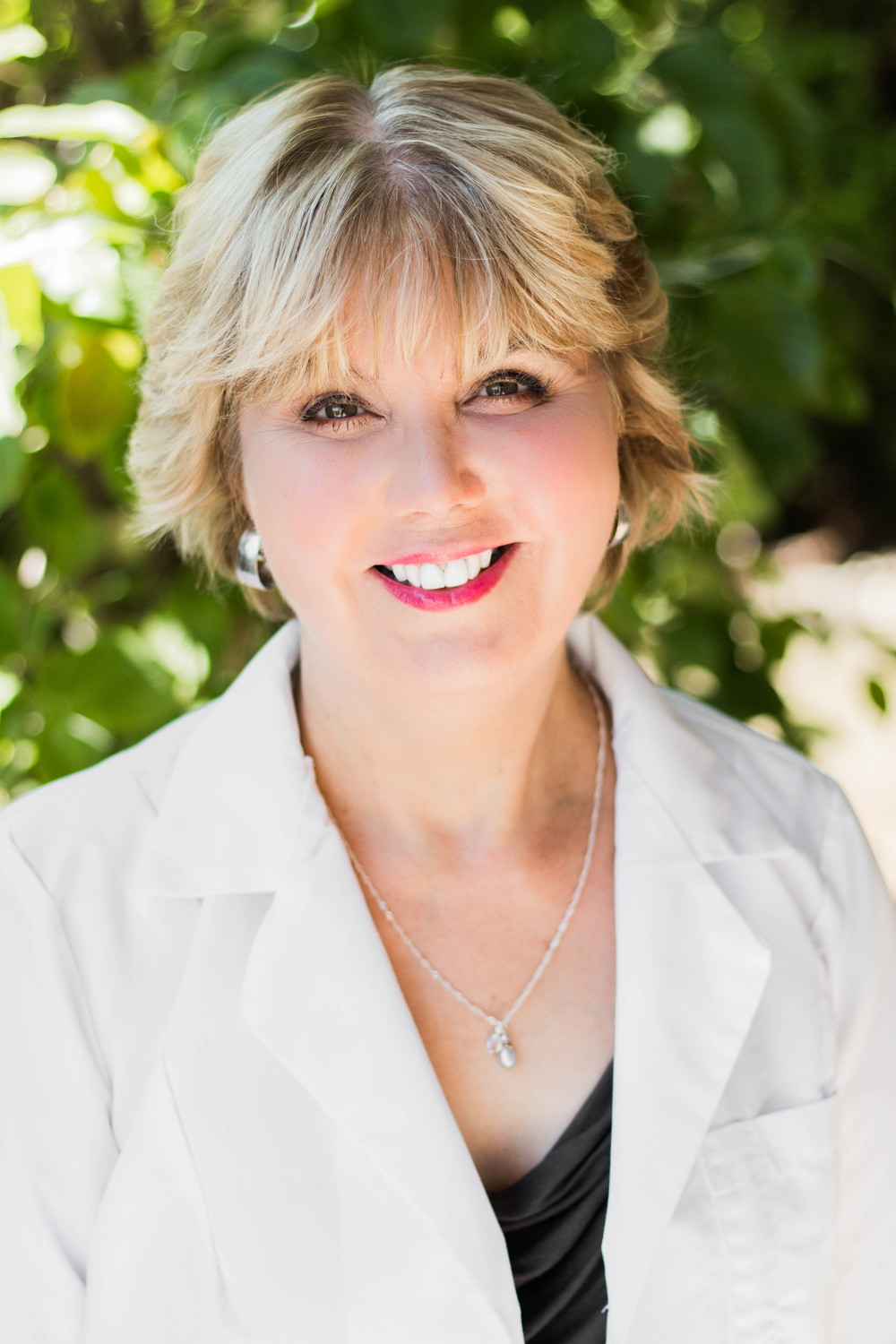 doctor cynthia cote has over 20 years of professional medical experience