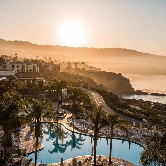 We woke up like this! The ladies of @mdcote are enjoying a taste of Cali this morning at @terranearesort for the 2017 Cutera University Clinical Forum. Everyone is looking forward to a full day of enhancing our craft and perfecting our skills. The views aren't half bad either! 😉 #MDCote . . . . 💁🏻 All female staff 🌎 2 locations, MV & Issaquah! 💜 27203 216th Ave SE. Ave A 💜Maple Valley, WA 📞 425-413-1418 💙 1495 NW Gilman Blvd. Suite 1 💙 Issaquah, WA 📞 425-466-0642 📧 Spa@MDCote.net