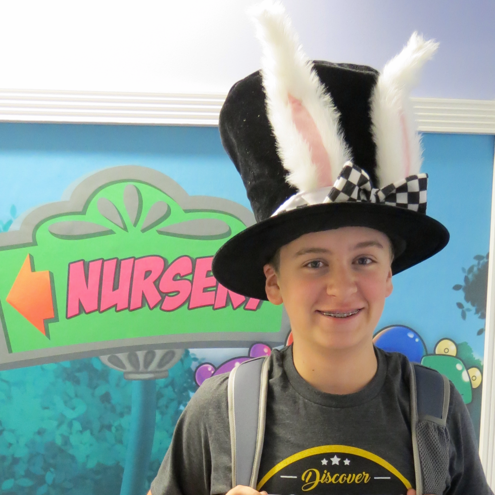 The Academy Tutorial - Alice in Wonderland TopHat.png
