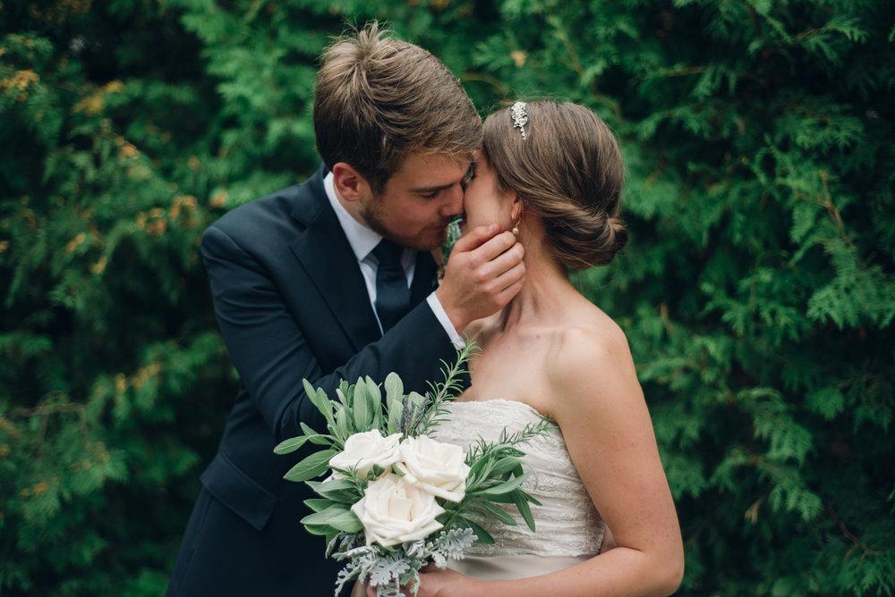 Tett Centre Wedding_Alabaster Jar (11 of 18).jpg