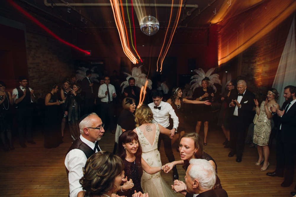 Gladstone Great Gatsby Wedding (10 of 16).jpg