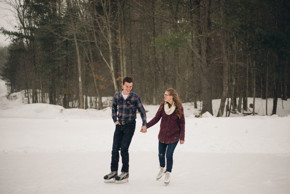 Winter Skating Engagement (3 of 30).jpg