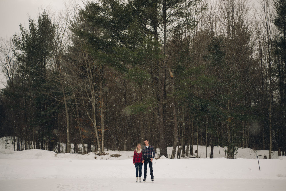 Winter Skating Engagement (7 of 30).jpg
