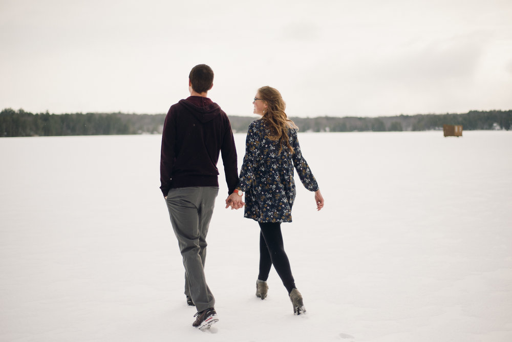 Winter Skating Engagement (16 of 30).jpg