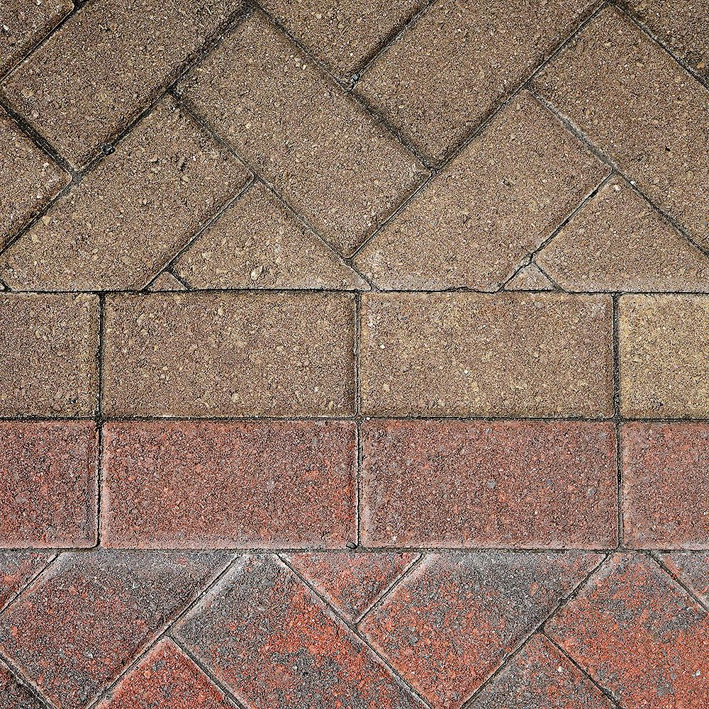 DSC01939_Roanoke_modern variant_concrete paver_square.jpg