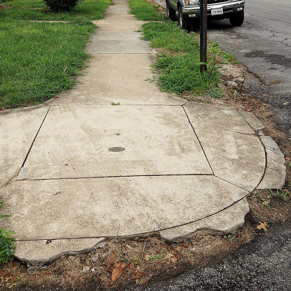 DSC01906_Roanoke_sidewalk_concrete_square.jpg