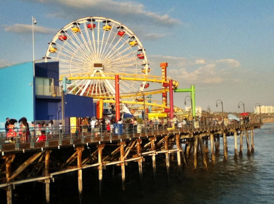 Santa_Monica_Pier_2011.jpg