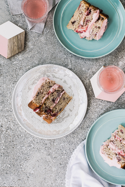 AmandaMack.brownedbutterstrawberrycake.sliced