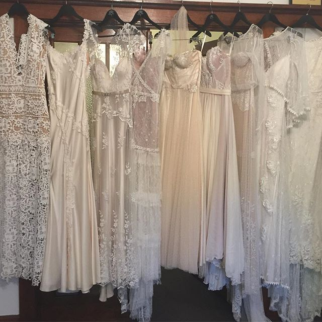 All the ladies ready and waiting for their trip to Brighton Town Hall for the @vintagebridemag Bridal Expo on today!!! Come down for a visit and see the wonderful wedding vendors all in one spot.  #vintage #weddingfair #vintagebride #vintagelove #vintagefashion #weddingvendors #bridalexpo