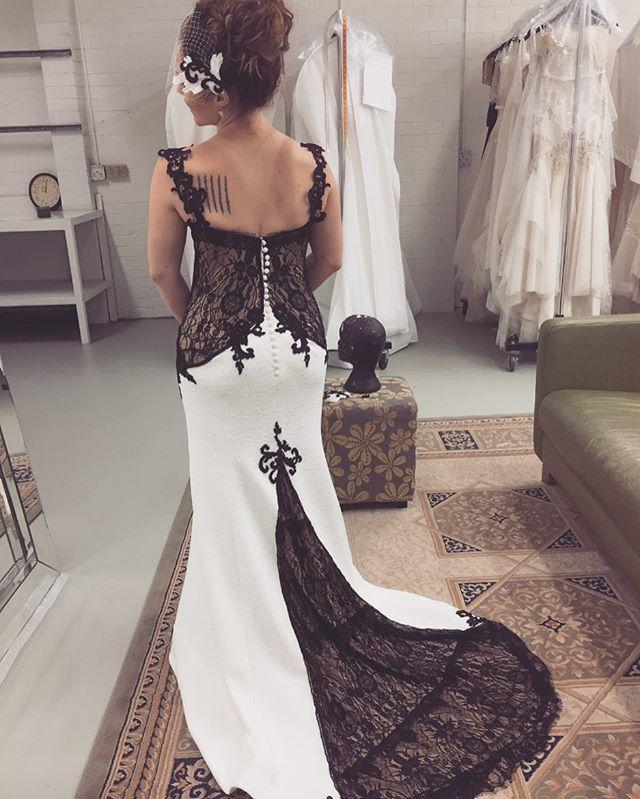 Black and white bridal - gorgeous mix 🖤  #bride #couture #blacklacebride #wedding #melbournebride #melbournestyle #melbournecouture #blacklacedress  #blacklace