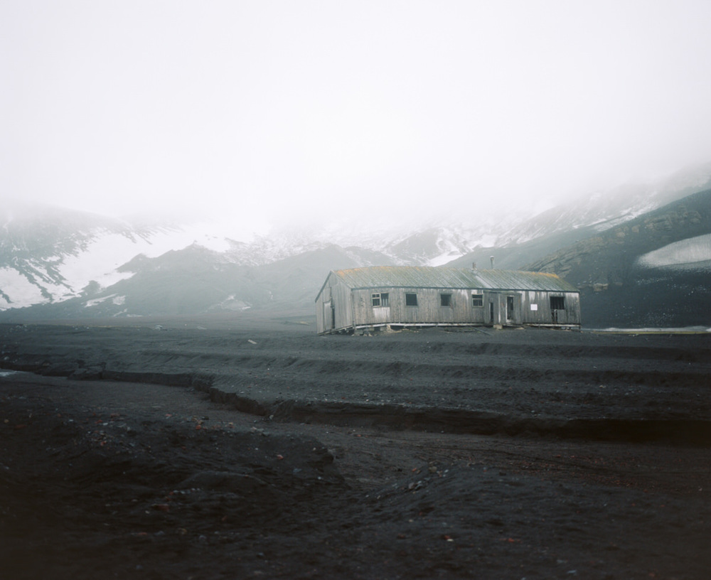 deception-island-mamiya-7-ii-wrenee-4.jpg