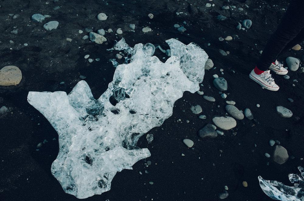 wrenee-iceland-jokulsarlon-glacier-lagoon-beach-1.jpg