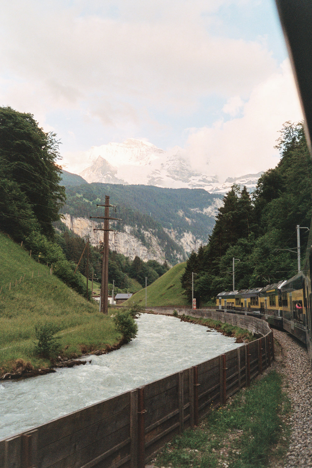 Train from Interlaken to Lauterbrunnen