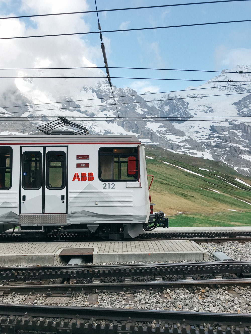 Transferring trains at Kleine Scheidegg
