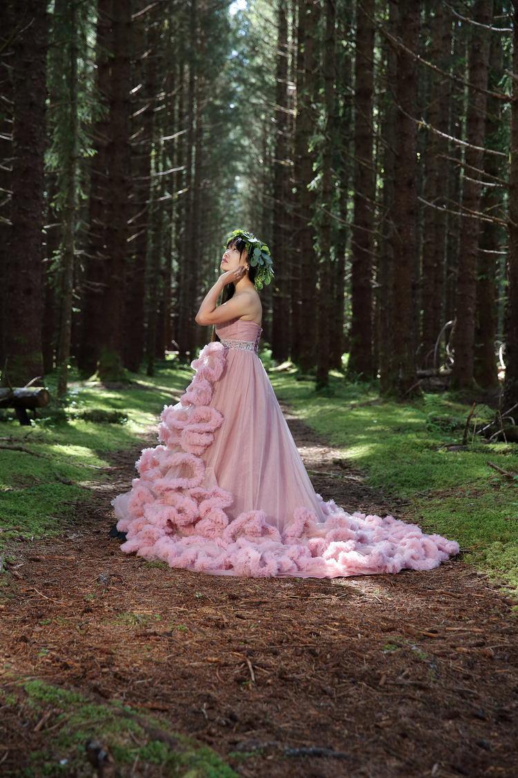 PinkDressWoods010.jpg